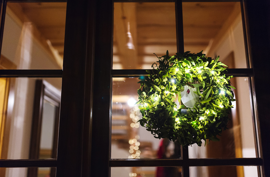 How to Stage Your House to Sell Over the Holidays